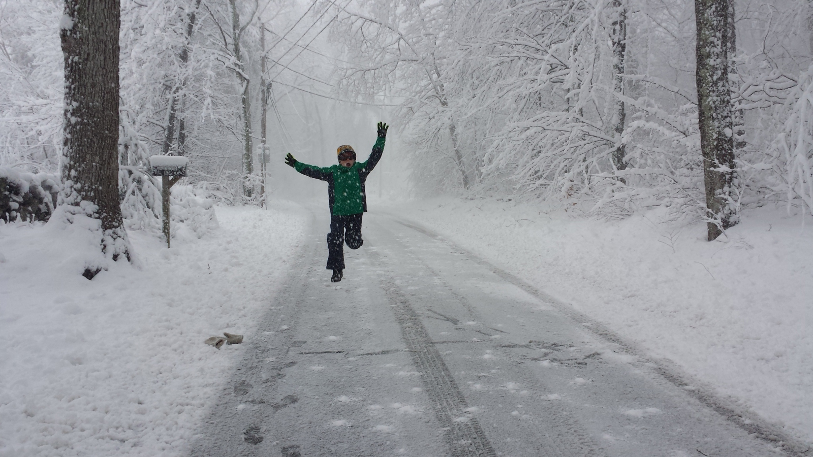 embrace snow days women advance